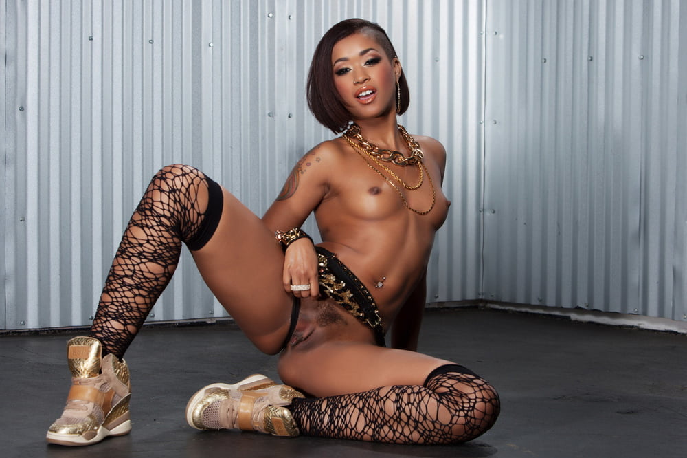 naked-fuck-nude-hip-hop-hoe-black-muscle-females