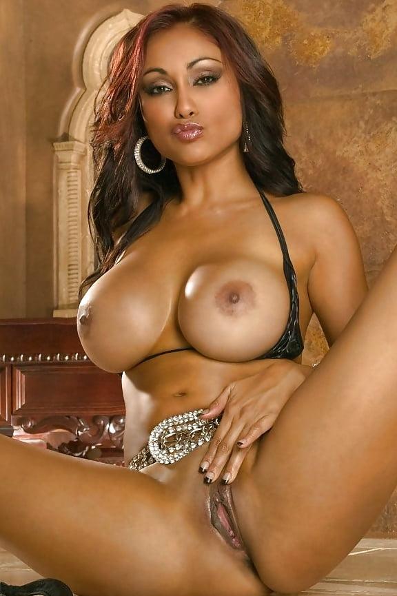Огромные сиськи бразильских порно звезд, дрочка трансы секс