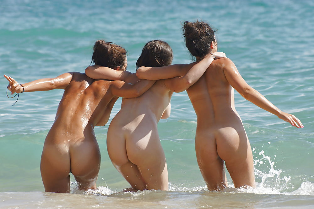 Bare butts pics — photo 15