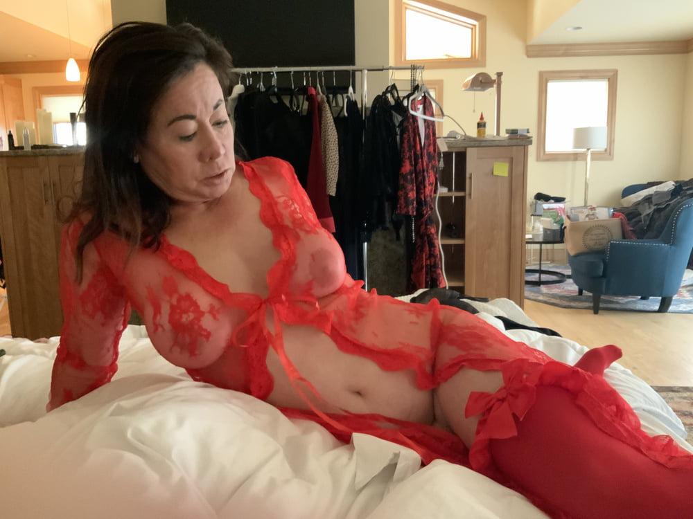 Asian MILF Loves Her Lingerie and Stockings - 11 Pics
