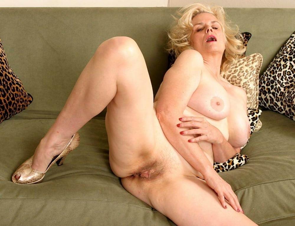 hot-nude-grandma-pics-pussy-skirt-public