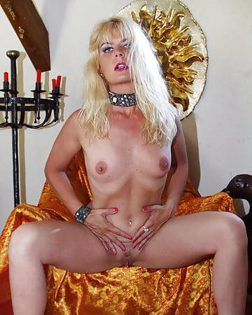 Coco la Perra French Sexy Pics of Blonde - 16 - Coco la Perra