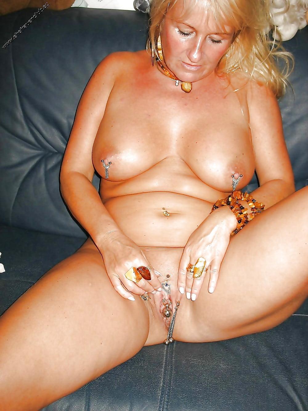Female Naked Piercings