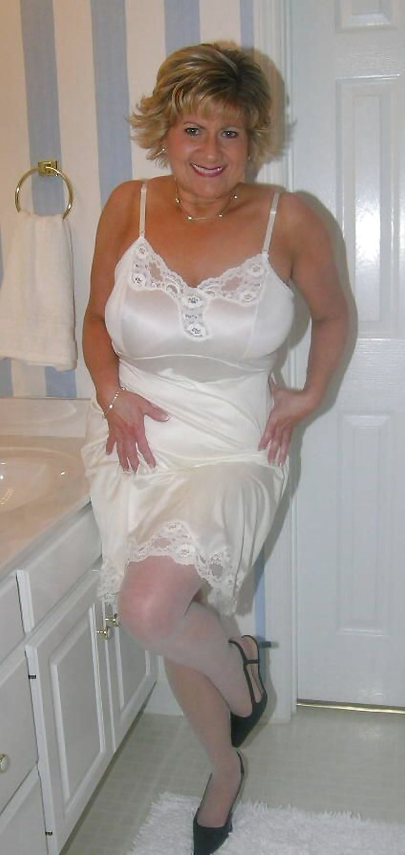 mature-women-in-slips-pictures