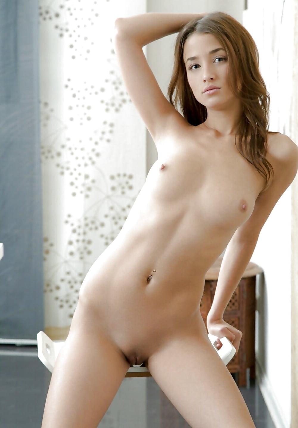 Nude Erotic Girls
