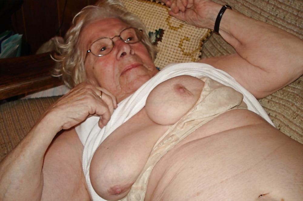 Пожилые бабы и их сиськи