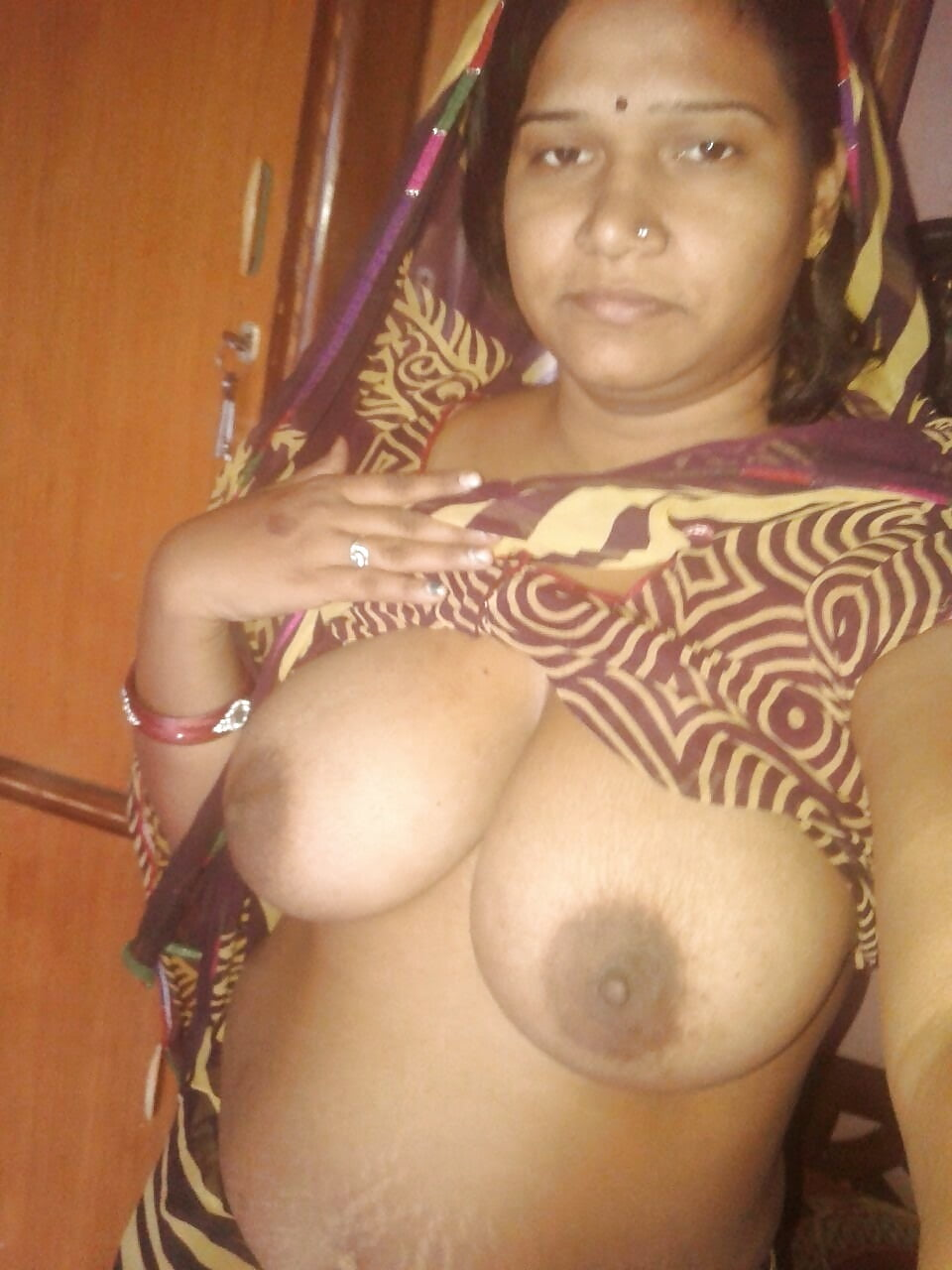 tamil-girls-boobs-and-pussy-in-nude-wife-kathy-taking-a-big-dick
