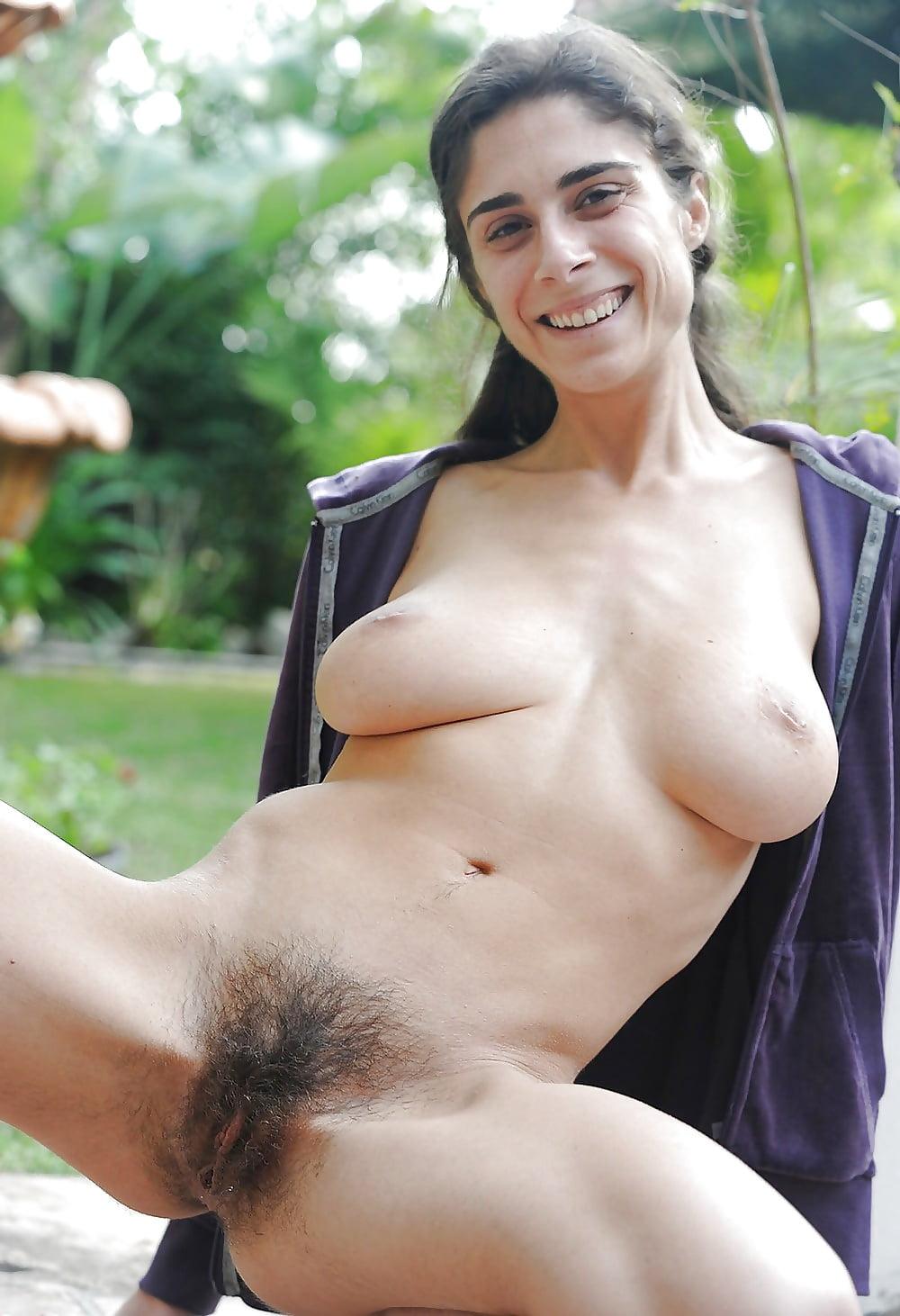 girls-outdoor-hairy-italian-woman-nude