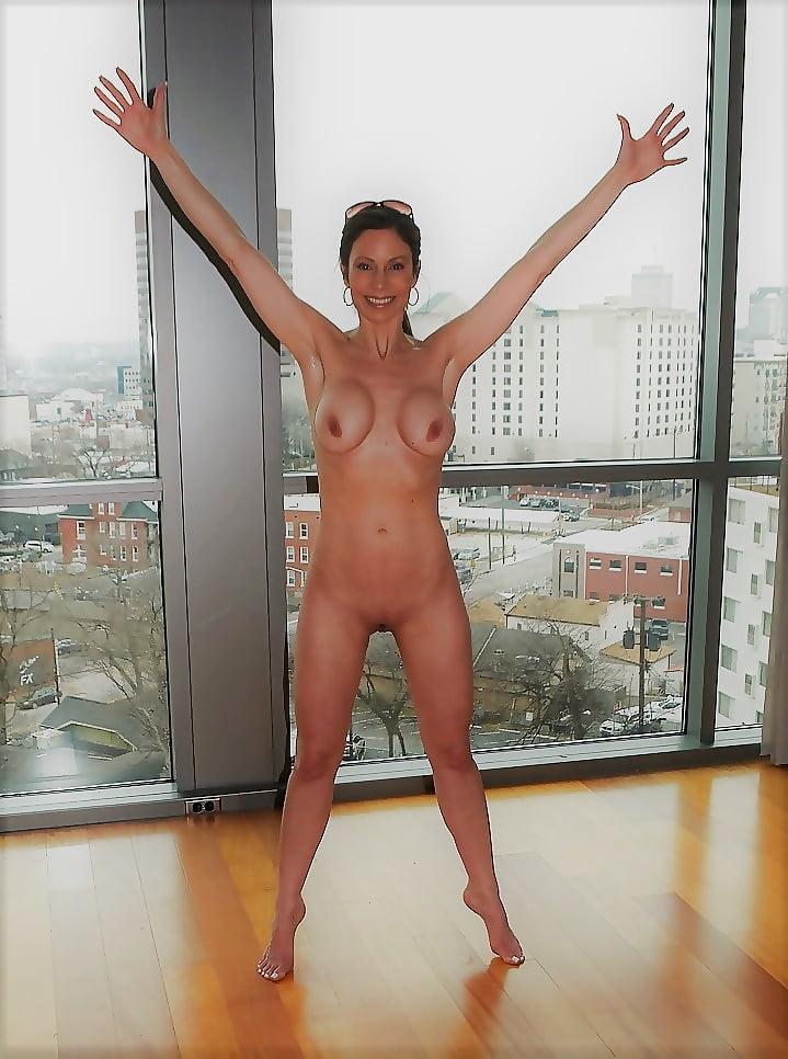 jill-nicolini-naked-playboy