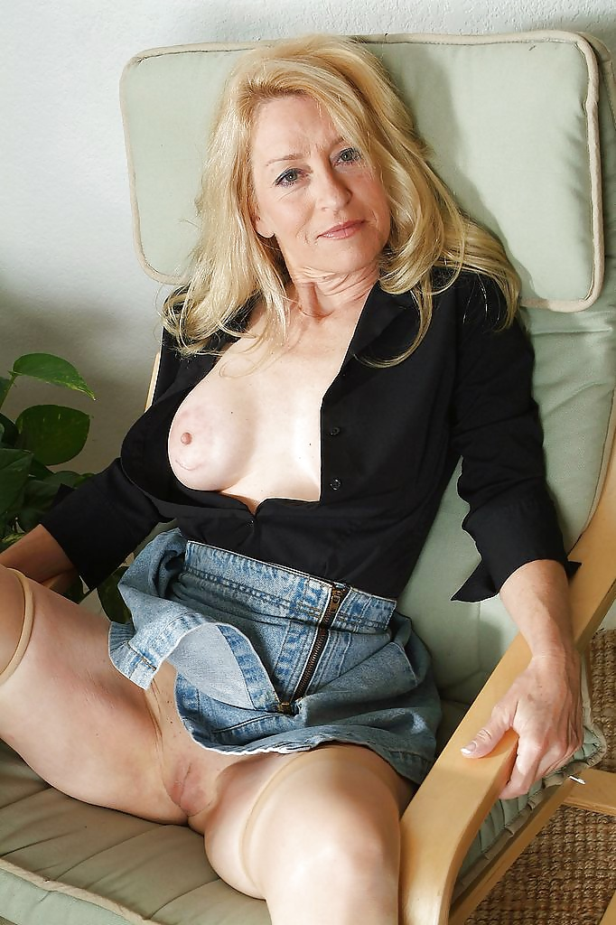 Nude middle aged ladies pictures