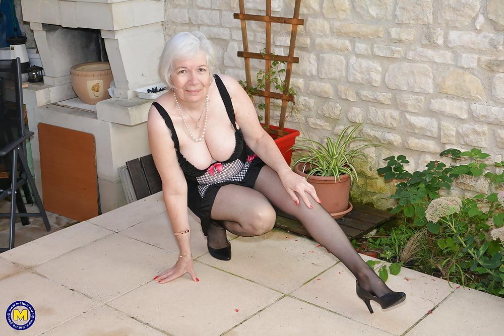 фото зрелых бабусь спрос секс-услиги