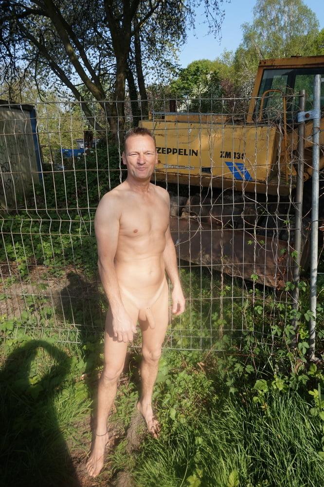 euFfentlichkeit Nackt