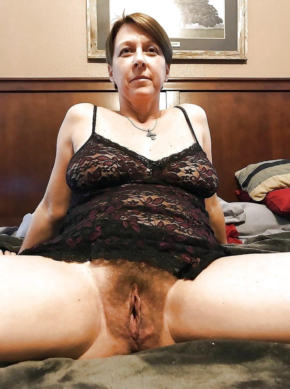 vdvoem-volosatie-starushki-blyadi-foto-spermi