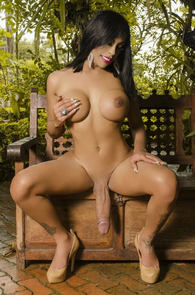 Holly Michaels Black Cock