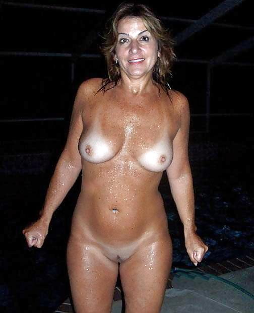 Голые женщины со следами от купальника — photo 10