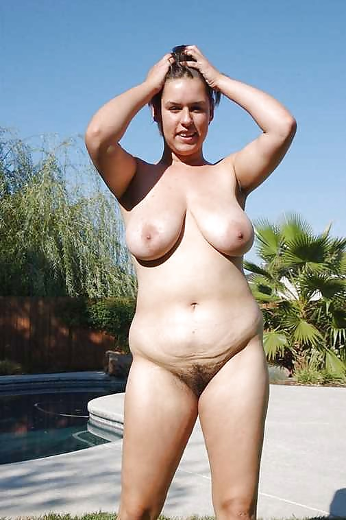 Busty Women 230 Young Saggy Tits Special - 19 Pics -1952