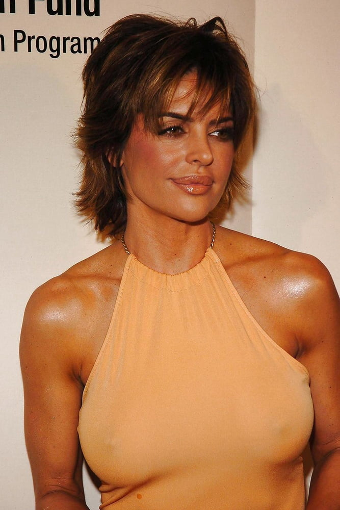Lisa rinna finally explains how her lips became to be