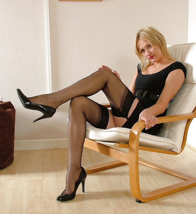 Mature women in videos with stocking — img 15