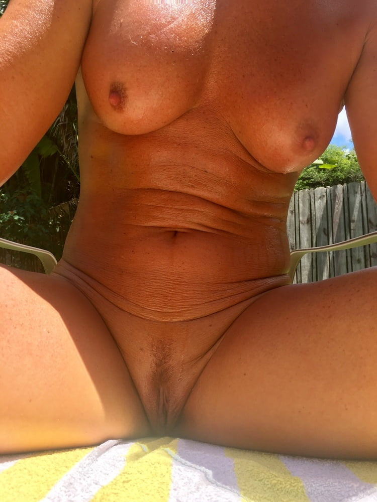 Naked females outside-7583