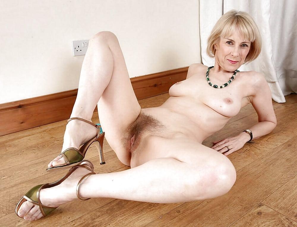 Grannys nude 'Glamorous grannies'