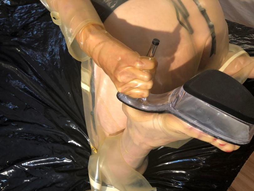 Transparent Latex Masturbation - 47 Pics