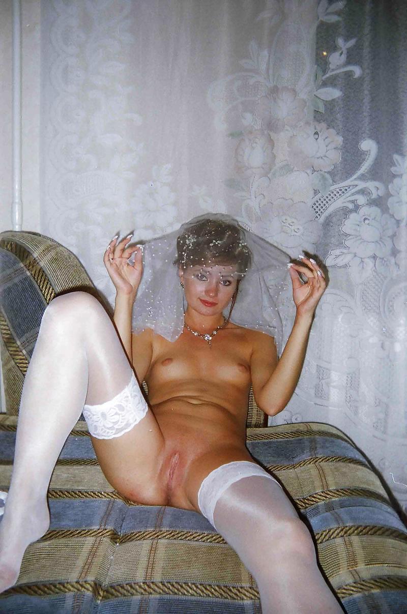 Nude brides