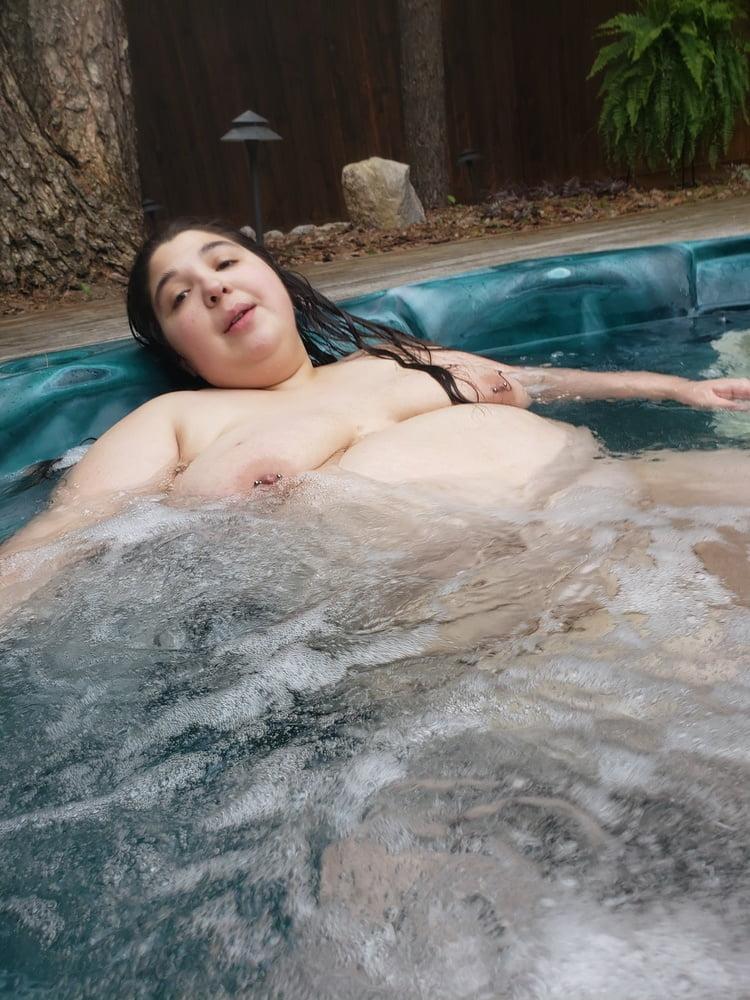 Girl craps in hot tub, mariasjarapova sex tape