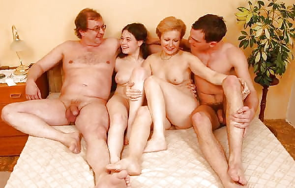 друг друга трахать любит моя семья порно видео положил ладонь