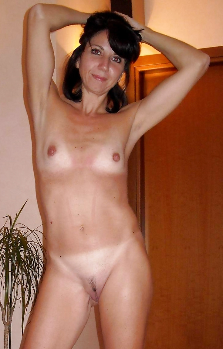 Amateur Wives Mature Granny Tiny Tits Shaved Pussies 2 -2526