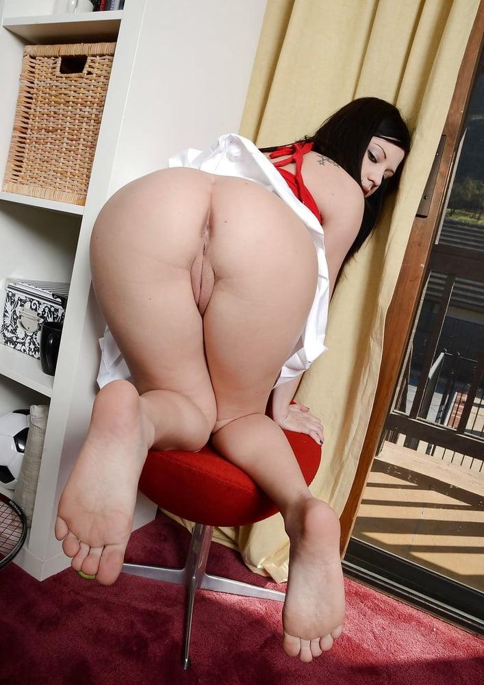 Brandi belle masturbating