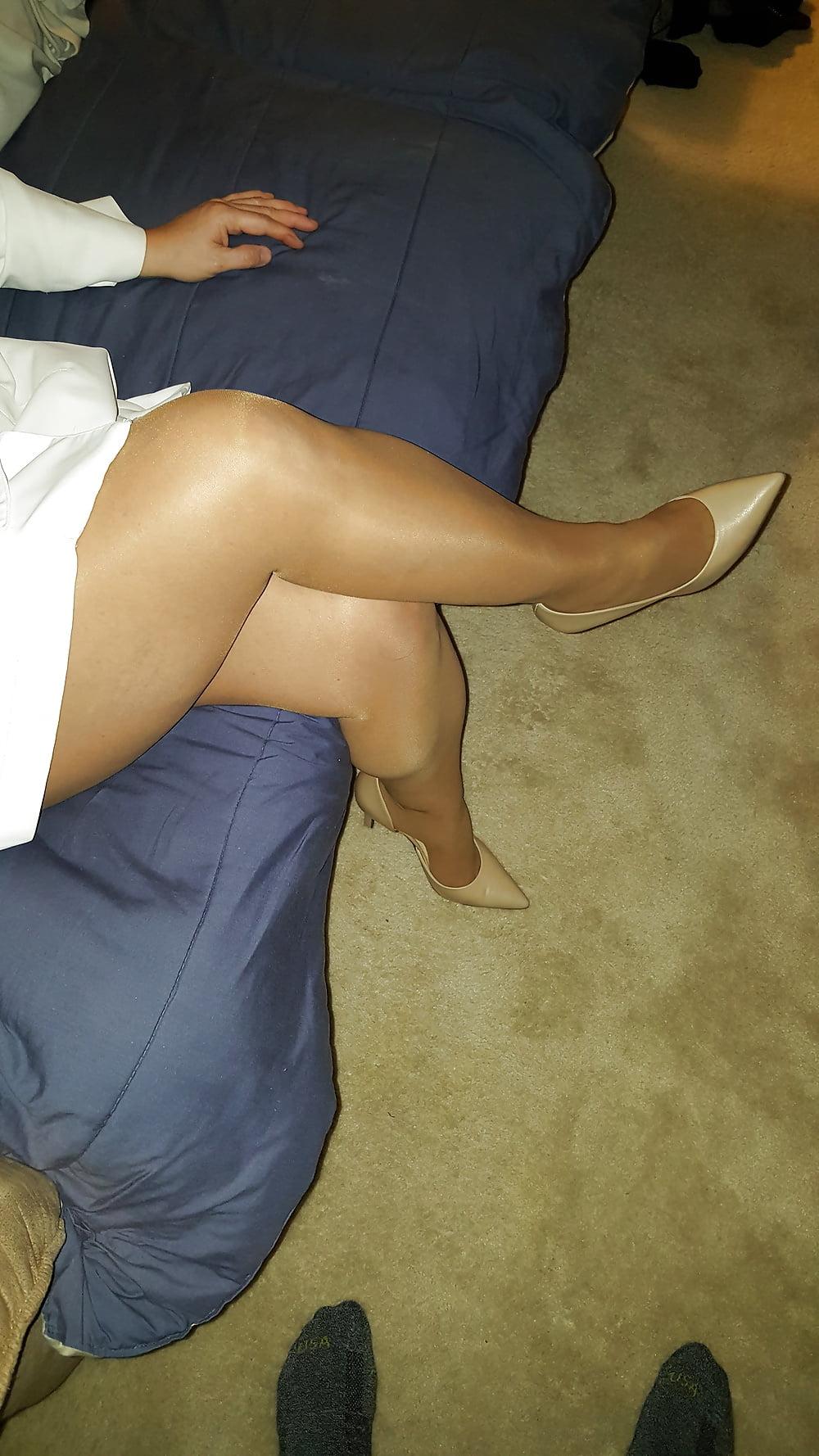 Matures and pantyhose pics