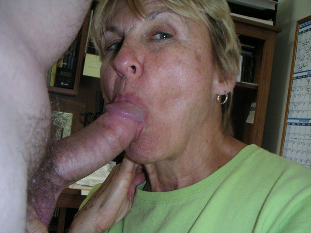 Mature blonde gives oral sex to big dick