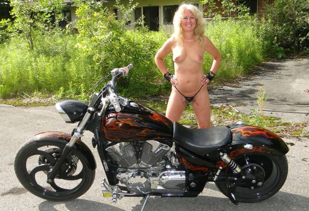 Old biker momma nude, pictures for girls doing sex