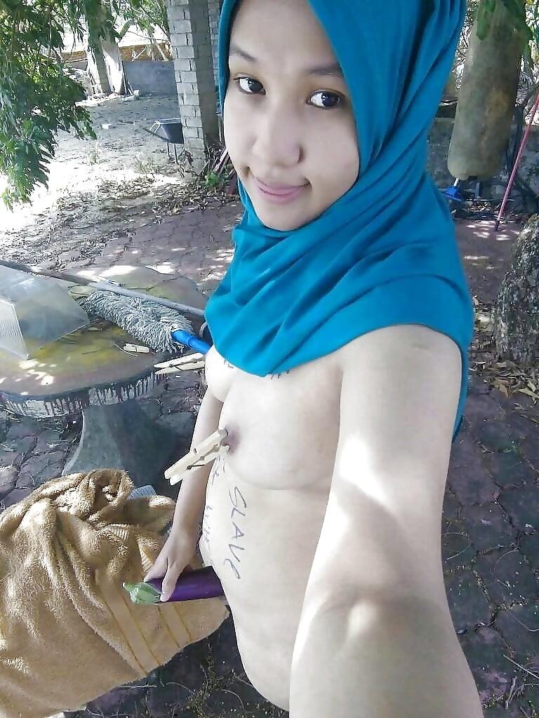 Hot Naked Malay Tudung