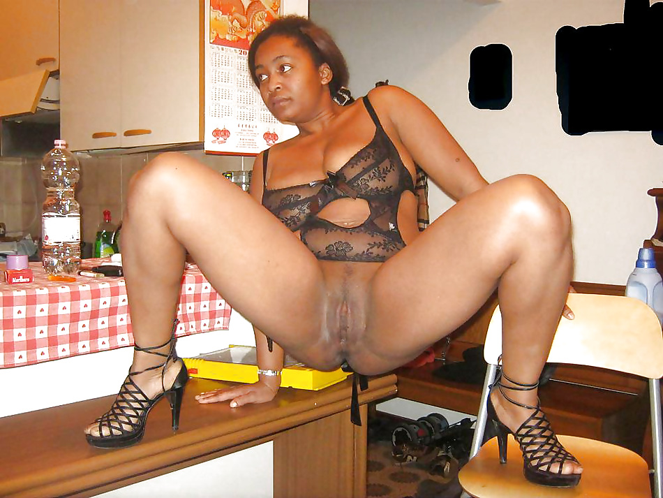 Hot ebony moms pics
