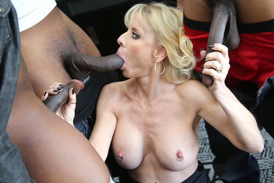 Shaved pussy rides dick in car-7348