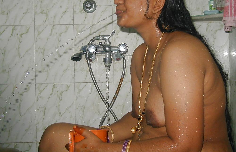 Zimbabwe girls bath naked videos, rocio guirao diaz hot