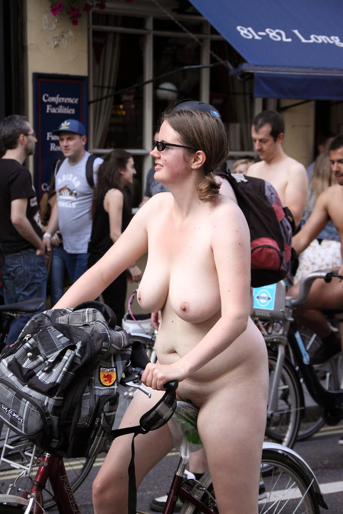 See And Save As Chubby Plain Girl At London Wnbr World -4224