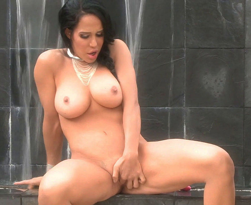 Nadya Suleman To Work As A Stripper