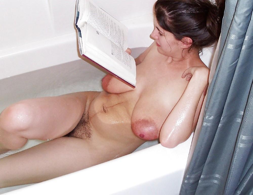 Порно фото жен с отвисшими сиськами, обнаженной девушки и оружие