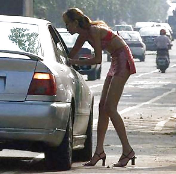 Как предохраняется проститутка анкеты проституток тюмень