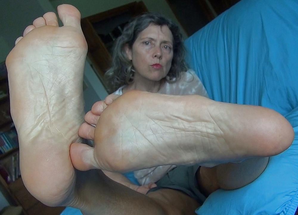 Mature Feet Links