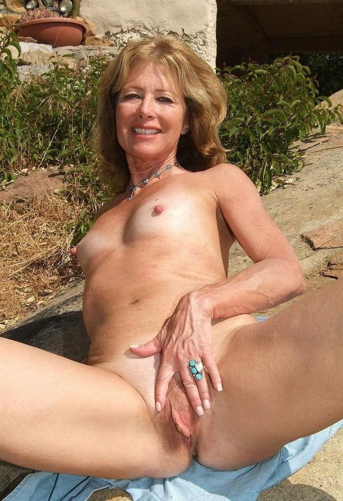 Mature women nude sex in australia