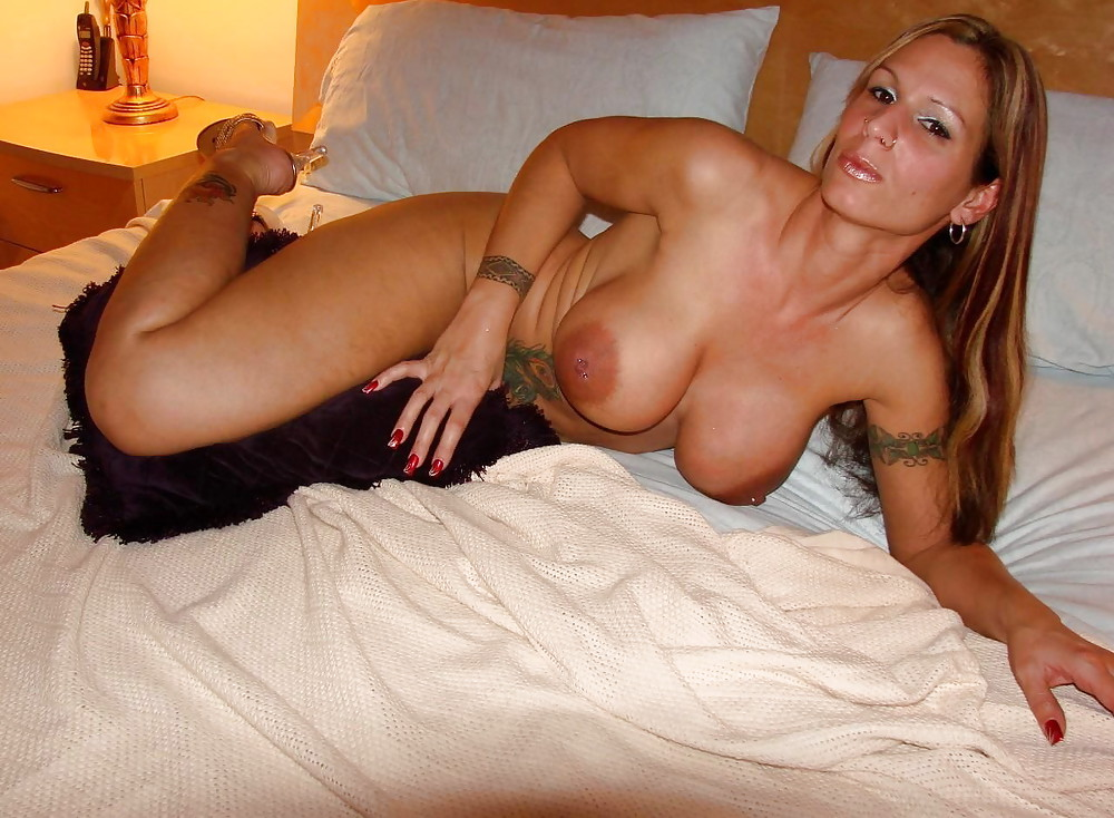 Sexy naked cougars