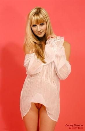 Stenson nackt Carley  Hollyoaks star