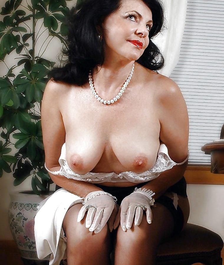glamorous-matures-nude