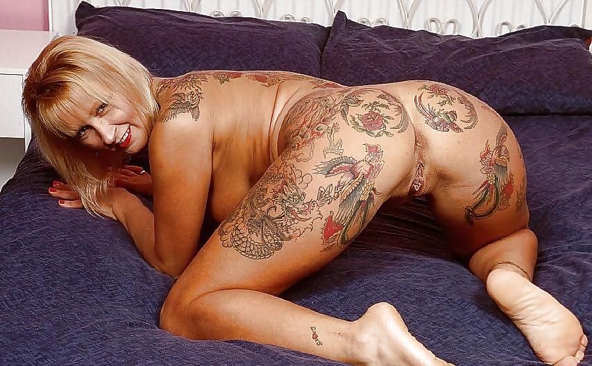 Полненькие татуированные дамы порно, пикап порно взрослых женщин