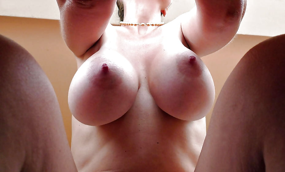 big-butt-huge-boob-horny-nipples-big