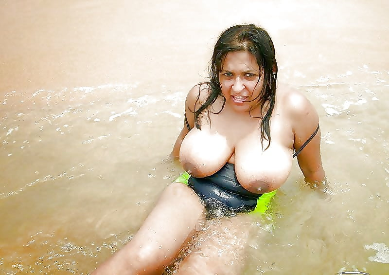 indian-big-boobs-nude-bikini