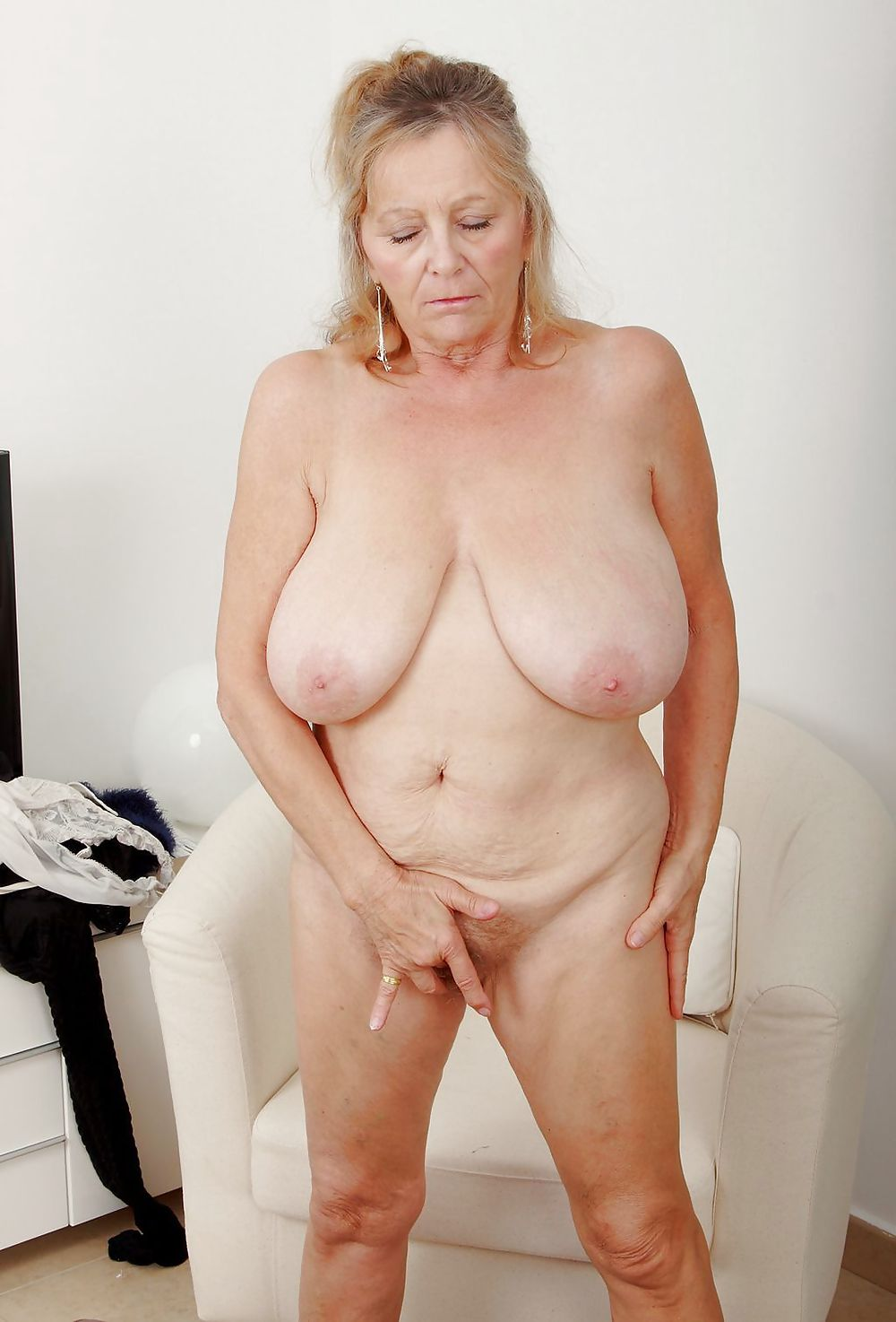 Can not amateur granny spread are